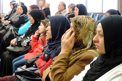 Families of missing persons in Saida meet for the first time during an ICRC information session.